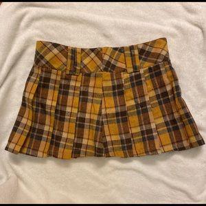 Y2k/early 2000s plaid miniskirt